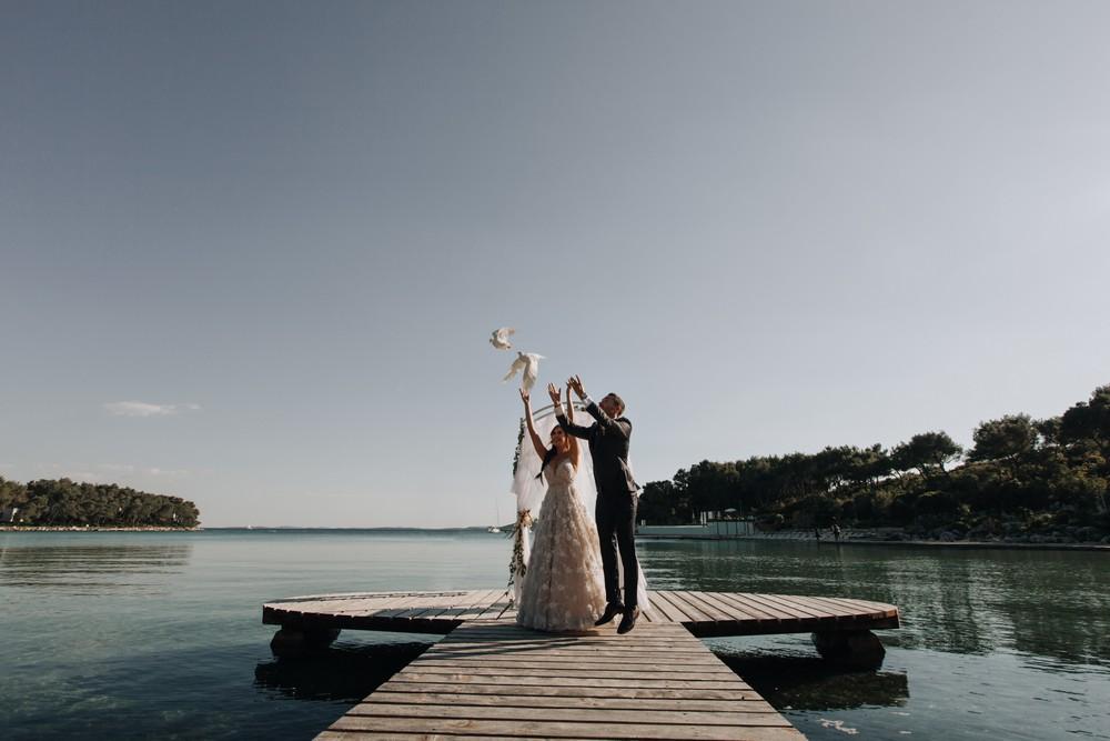 croatia_wedding_beach_ceremony_outdoor_venue_crvena_luka_035
