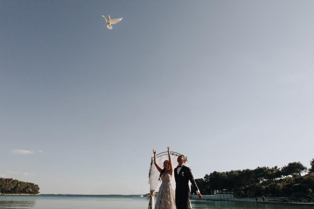 croatia_wedding_beach_ceremony_outdoor_venue_crvena_luka_036