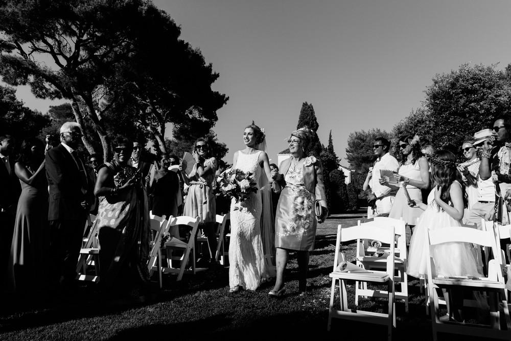 Martinis Marchi Wedding elegant white backdrop were marvelous thanks to the Studio Mirella.