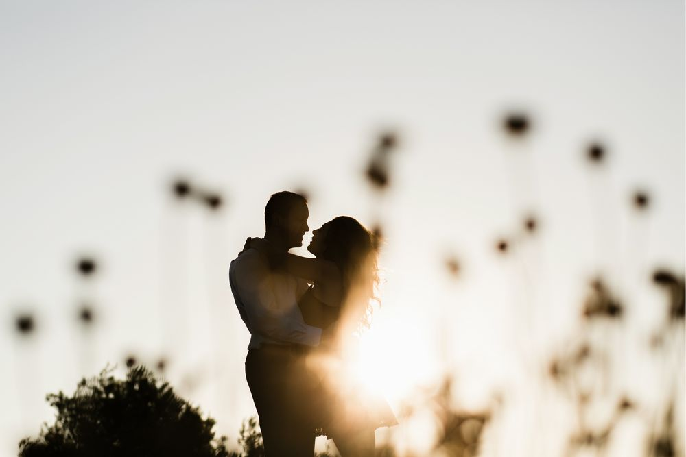 Romantic silhouette photo from Dubrovnik session photographer - DT studio.
