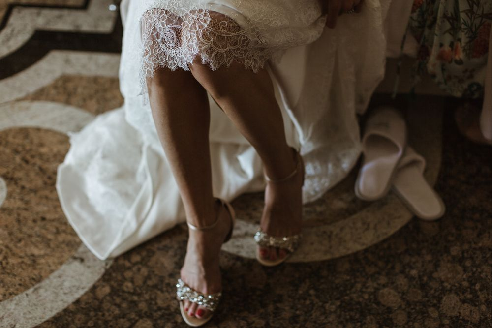 Gorgeous bride preparations at Villa Gippini by © Lake Como weddings