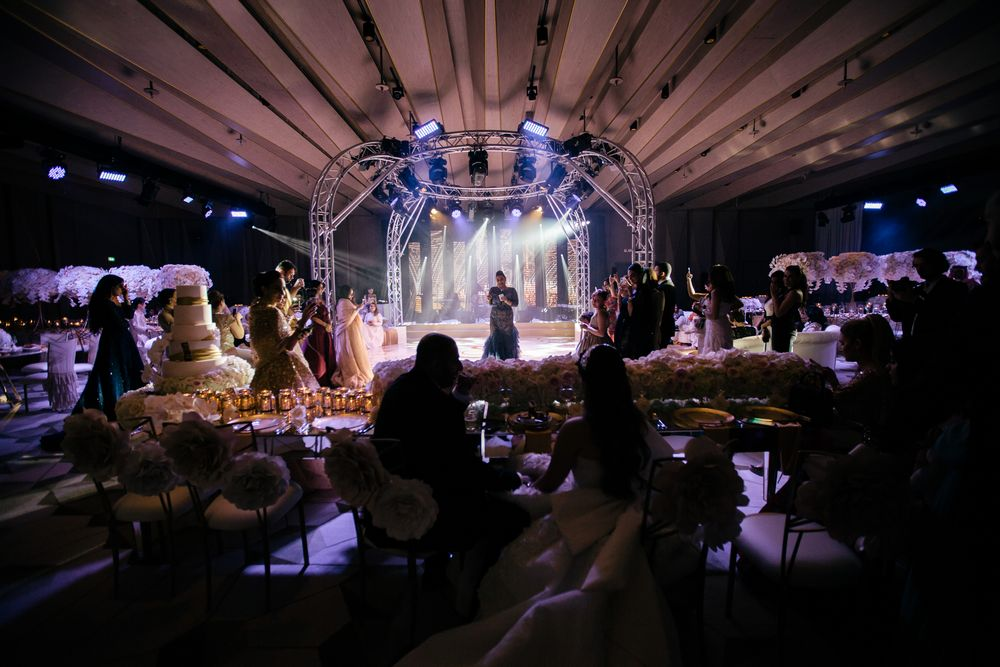 Wedding dinner speeches in Dubai captured by dubai wedding videographer