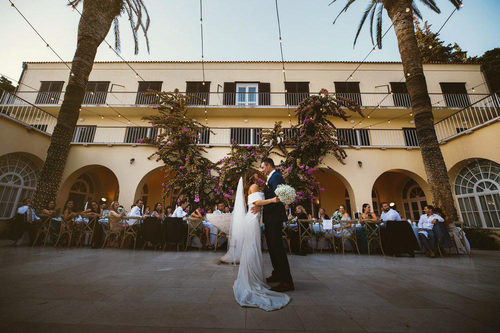 First dance at Villa Dalmacija by Croatian best wedding photographer studiodt.com